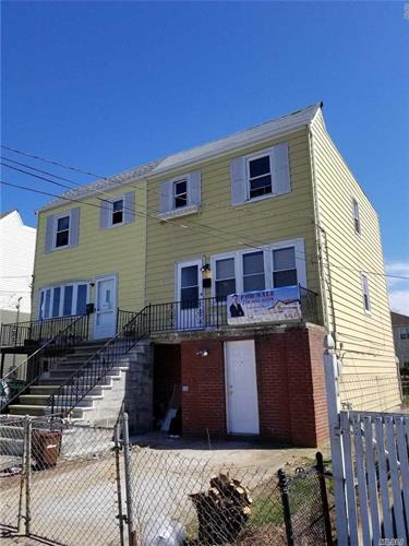 72-17 Burchell Ave, Arverne, NY 11692