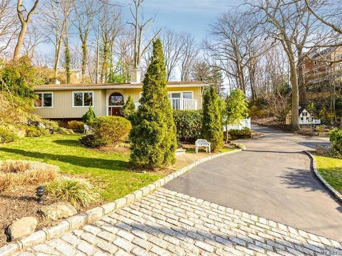 734 Sound View Rd, Oyster Bay, NY 11771