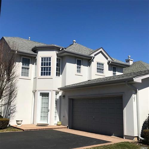 707 Balfour Pl, Melville, NY 11747