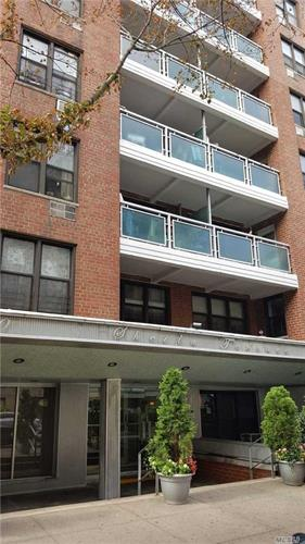 37-30 73 St, Jackson Heights, NY 11372
