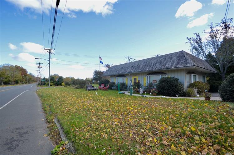 25500 Main Rd, Cutchogue, NY 11935 - Image 1
