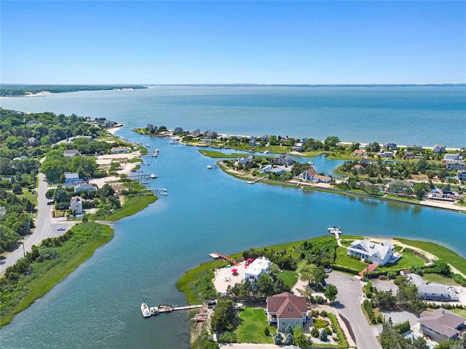 19 Cold Spring Ct, Southampton, NY 11968 - Image 1