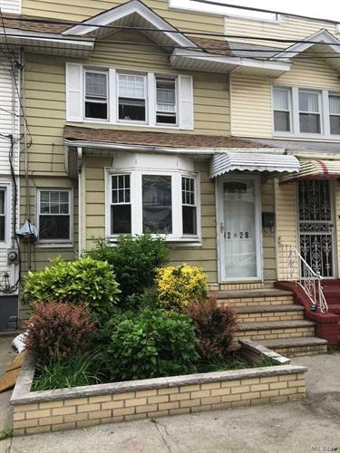 92-28 76th St, Woodhaven, NY 11421
