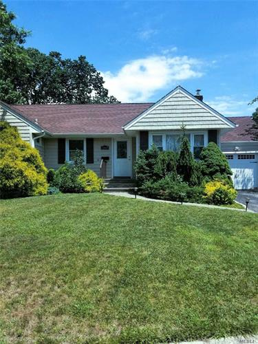1069 Barrie Ave, Wantagh, NY 11793 - Image 1