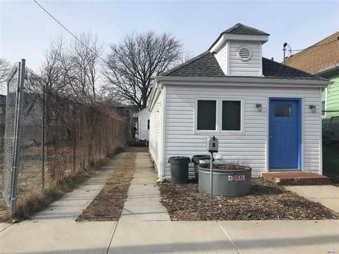 425 Beach 43rd St, Far Rockaway, NY 11691 - Image 1