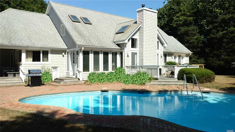 8 Willow Ln, Quogue, NY 11959 - Image 1