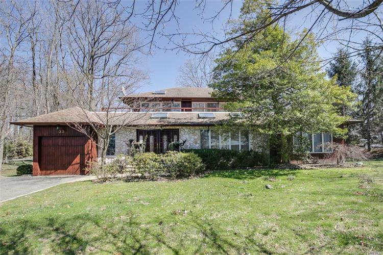 33 Stepping Stone Ln, Kings Point, NY 11024