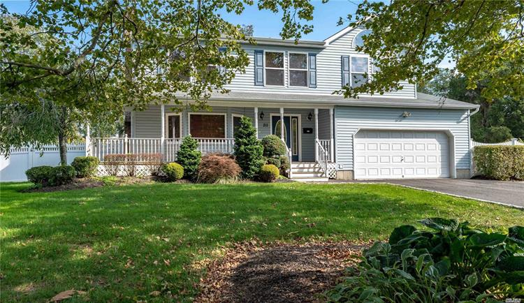 211 Jennings Ave, Patchogue, NY 11772 - Image 1