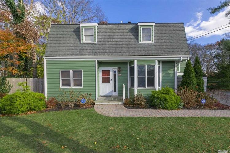 91 Brookfield Ave, Center Moriches, NY 11934 - Image 1