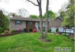 1022 Westminster Ave, Dix Hills, NY 11746