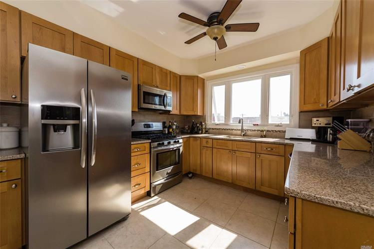 233 W Walnut, Long Beach, NY 11561 - Image 1