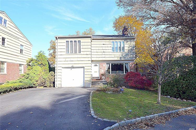 35 Valley View Rd, Great Neck, NY 11021 - Image 1