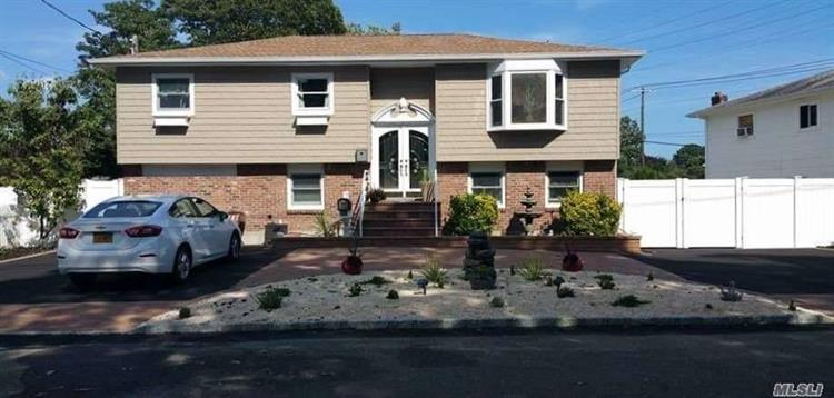 1079 Hyman Ave, Bay Shore, NY 11706 - Image 1