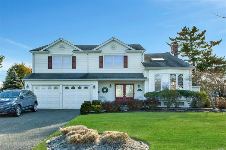 104 Drake Ct, West Islip, NY 11795 - Image 1