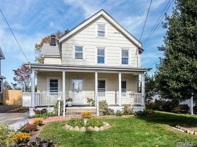 18 Clement St, Glen Cove, NY 11542 - Image 1
