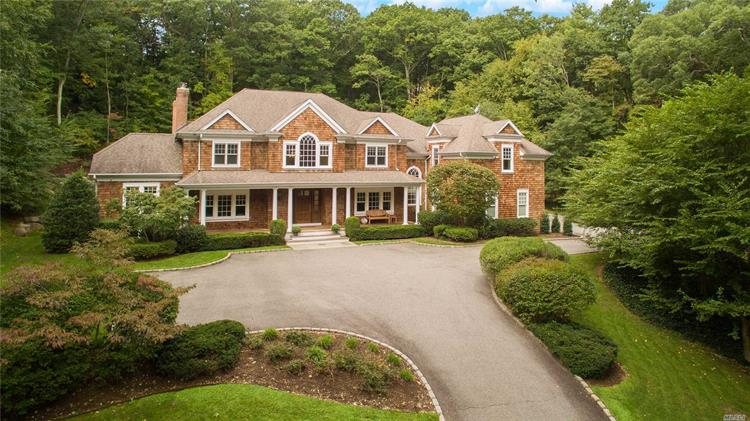 1538 Laurel Hollow Rd, Laurel Hollow, NY 11791 - Image 1