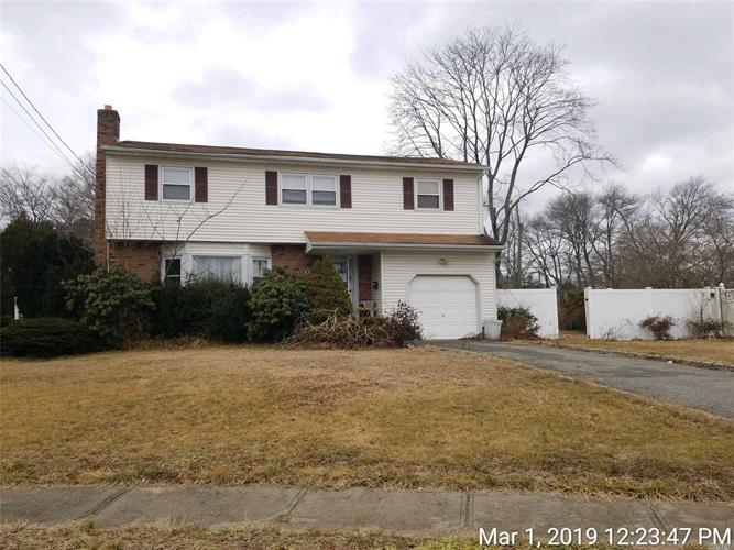 1 Vic Ct, North Babylon, NY 11703 - Image 1