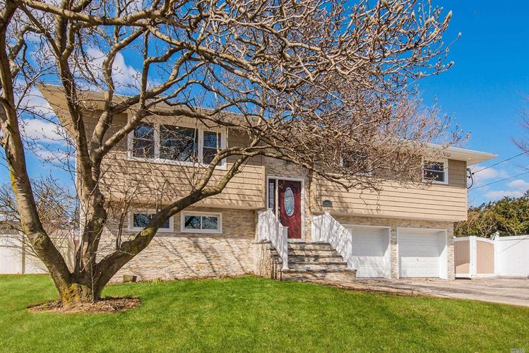 1865 Front St, East Meadow, NY 11554 - Image 1