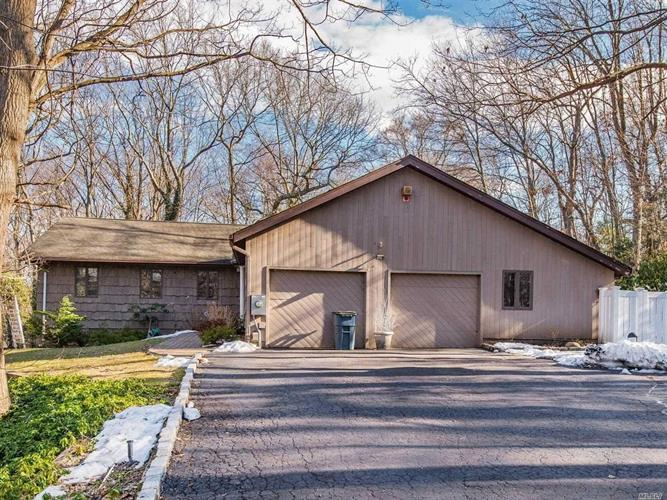 19 Ryder Ave, Dix Hills, NY 11746 - Image 1