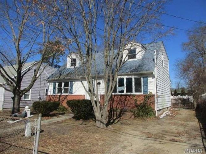45 W 6th St, Patchogue, NY 11772 - Image 1