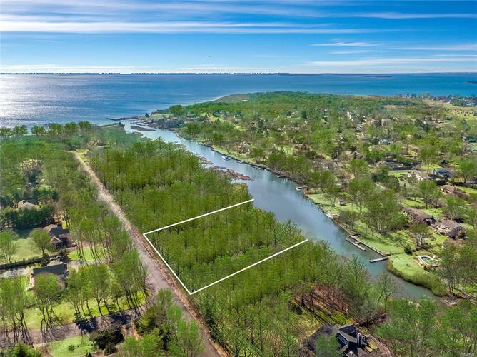 22 Inlet View Path, East Moriches, NY 11940 - Image 1
