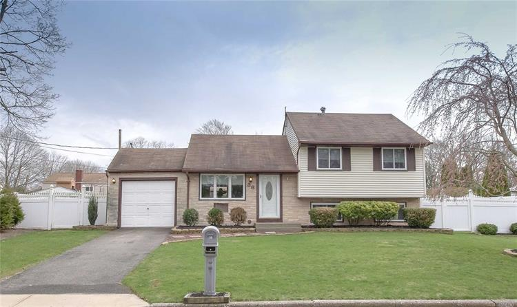 38 Halsey St, Port Jefferson Station, NY 11776 - Image 1