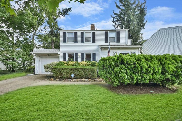 128 Browers Ln, Roslyn Heights, NY 11577 - Image 1