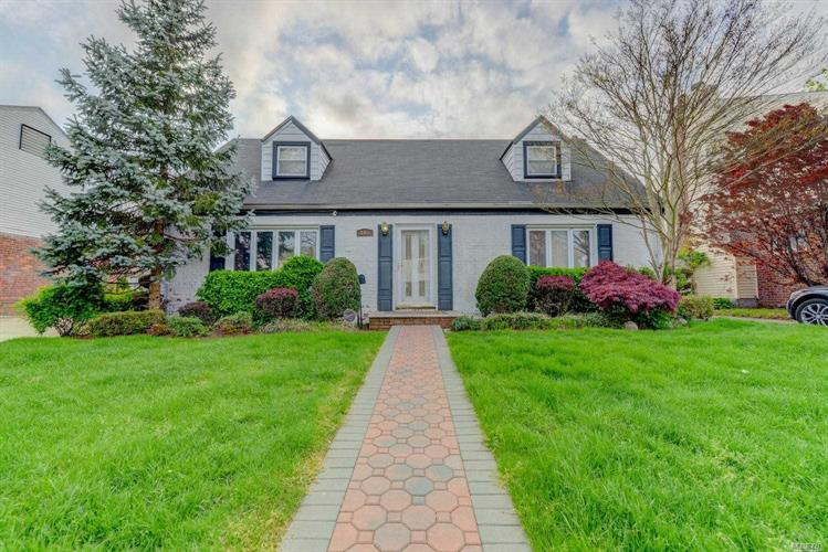 207 Sussex Rd, Elmont, NY 11003 - Image 1