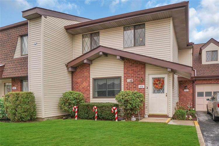 183 E Cambridge Dr, Copiague, NY 11726 - Image 1