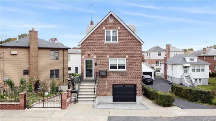 1638 Kennellworth Place, Bronx, NY 10465 - Image 1