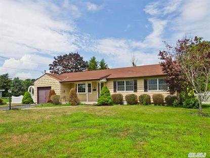 25 W Jackwill Rd, East Patchogue, NY