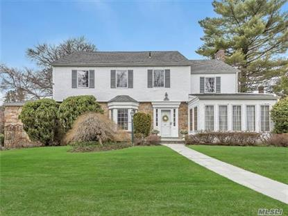 47 Castle Ridge Rd, Manhasset, NY