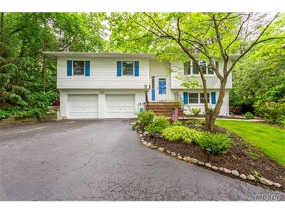 90 Laurel Dr, Smithtown, NY