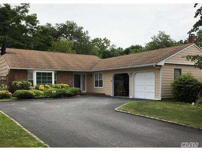 19 Canterbury Ct Oakdale, NY MLS# 3004782