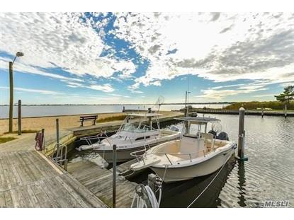 22 Landing Ln, East Quogue, NY