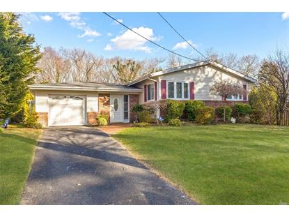 48 Pioneer Blvd, South Huntington, NY