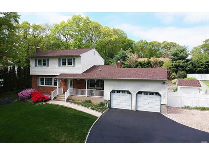 105 Lone Oak Path, Smithtown, NY