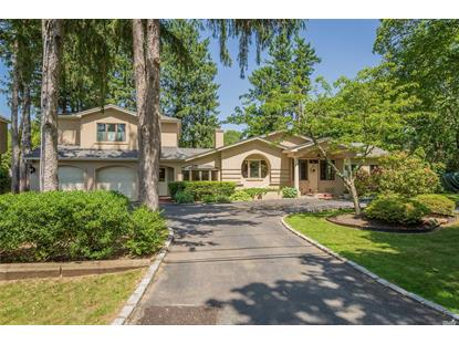 3 Crescent Beach Dr, Huntington, NY