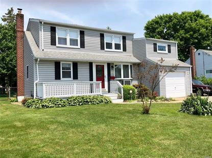 209 Sears Rd, West Islip, NY