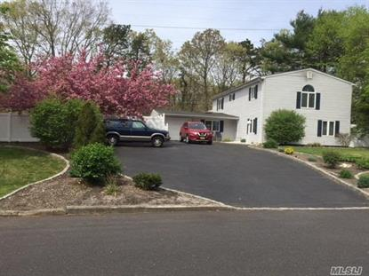 12 Lakeside Dr, Lake Ronkonkoma, NY