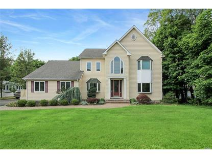 11 Moriches Rd, Lake Grove, NY