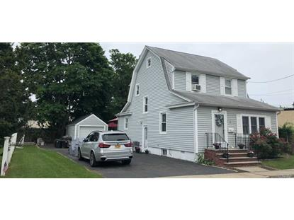7 Bedford Ct, Bellmore, NY