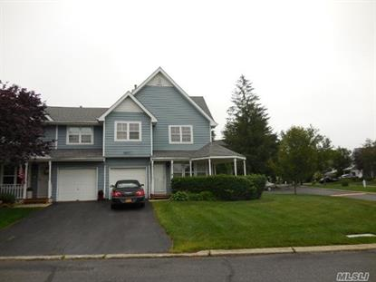 71 Broadlawn Dr, Central Islip, NY