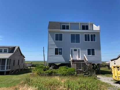 19 Cottage Row, Gilgo Beach, NY