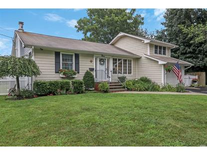 3 Appletree Ln, Huntington Station, NY