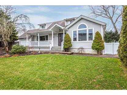 8 Sun Haven Ln Commack, NY MLS# 3091808