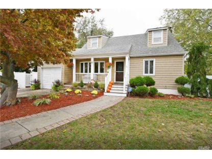 1 Carmans Gate Farmingdale, NY MLS# 3263208