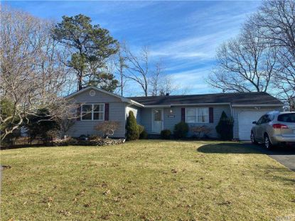 37 Highview Ln Ridge, NY MLS# 3279622