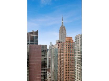 101 W 24th Street W New York, NY MLS# H5085670