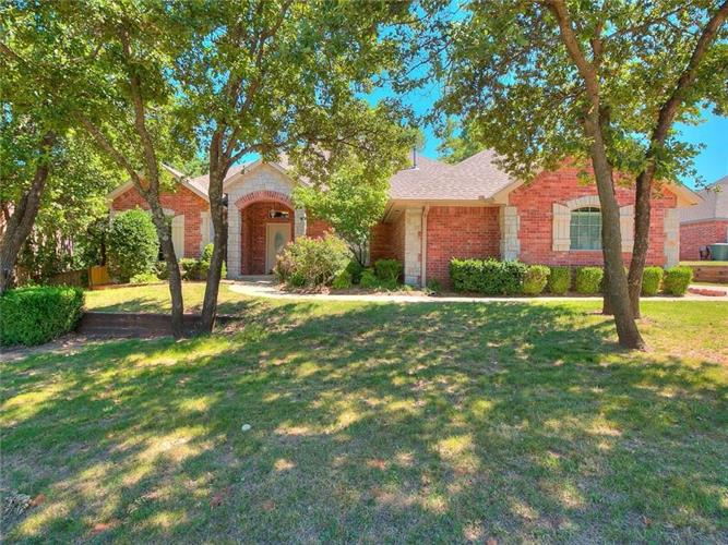 1312 Echohollow Trail, Edmond, OK 73025